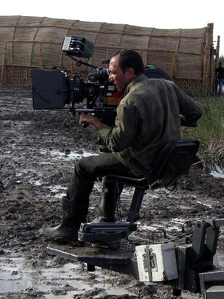 Abbas Fahdel sur le tournage de L'Aube du monde