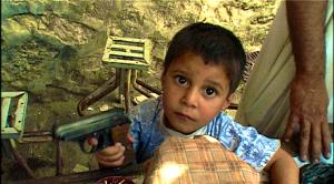 enfant au pistolet